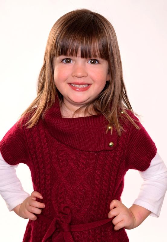 Emilia S. - Age: 7