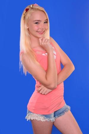 Julia H. - Age: 16