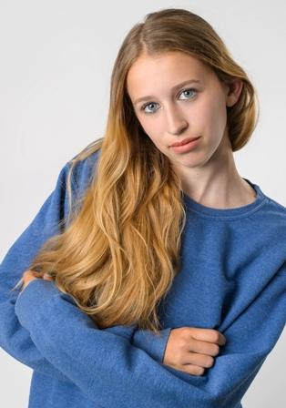 Maryanna G. - Age: 17
